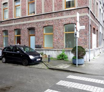 Modern handelspand met authentieke elementen te huur in Gent-centrum T9051-201247-HP